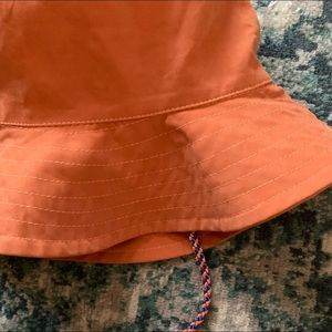 Zara bucket hat